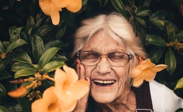 Mondverzorging bij ouderen: tips - jongesenioren.nl